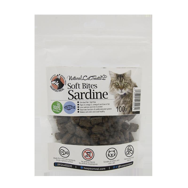 عکس بسته بندی تشویقی گربه هاپومیل مدل Sardine Soft Bites وزن 100 گرم