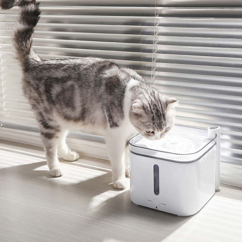 عکس مصرفی ظرف آب اتوماتیک حیوانات خانگی شیائومی مدل Fountain 2S